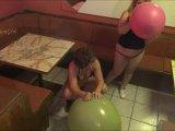 Amateurvideo 2 Riesenluftballons 2/2 from ActionGirl