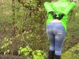 Amateurvideo Raincoat, Gummistiefeln und Handschellen , Partei: Jeans pis von bondageangel