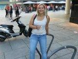 Amateurvideo PISSWALK durch Frankfurts Innenstadt! MEGA PUBLIC!!!! von DaddysLuder