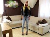 Amateurvideo Premiere! Mein 1. Jeans-Piss! von Daynia