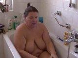 Amateurvideo Fotze in der Badewanne rasiert von crazy1963