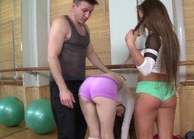 NachbarsMuschi - Fickness Workout 3-er mit Trainer und Freundin