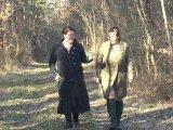 Amateurvideo Lesben laufen in Dessous im Wald von crazy1963