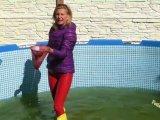 Amateurvideo Gelbe Gummistiefel und rote Gummi Leggins von sexyalina
