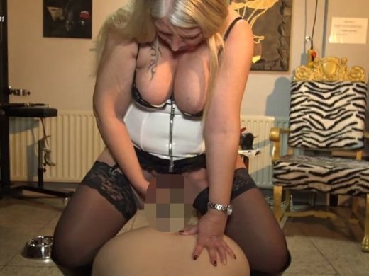 In Seinen Mund Gepisst - Videos Magical Porn