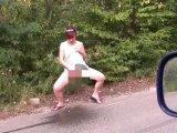 Amateurvideo Provokation auf der Straße von eroticnude