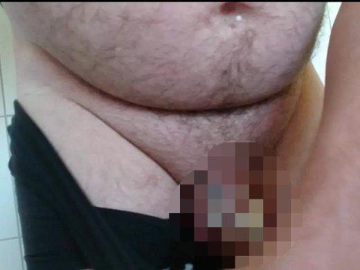 Amateurvideo Nasse Unterhose ** Einpissen ** von nylonjunge