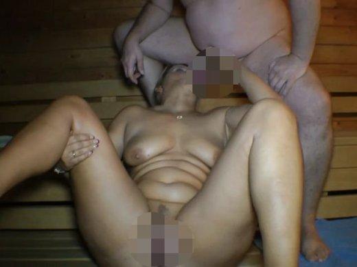 Amateurvideo Mega Geiler Dreierfick in der Öffentlichen Sauna von SusiNRW