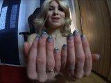 Amateurvideo Spritz auf meine Fingernägel! von FrankaFrivol