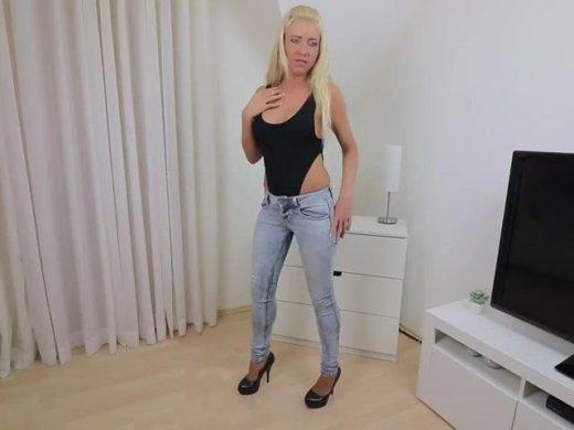 Amateurvideo Der versaute Piss-Fick Schlampen Trick! von Daynia