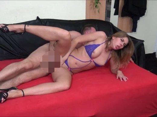 Amateurvideo Geiles Girl bläst, leckt meinen arsch und schluckt sperma. von DonJohnXXX