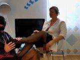 Amateurvideo Fetisch Footjob in der Arztpraxis von SexyLeni