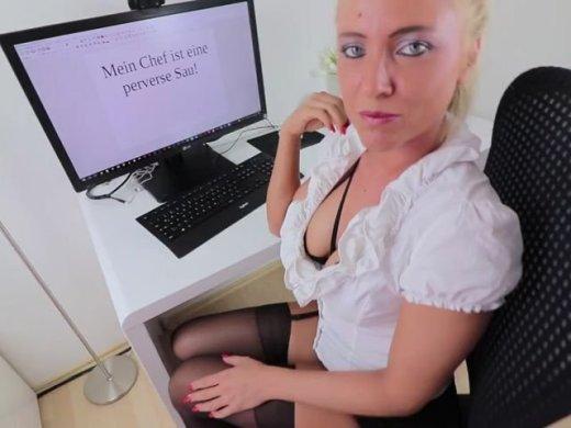 Amateurvideo Hardcore Bestrafung! Chef stopft XXL Prügel in alle Löcher von Daynia