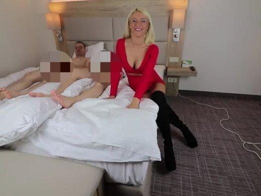 Amateurvideo 2 Schwänze für deine fremdfickende Eheschlampe! von Daynia