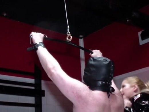 Bestrafung fuer den Koeter