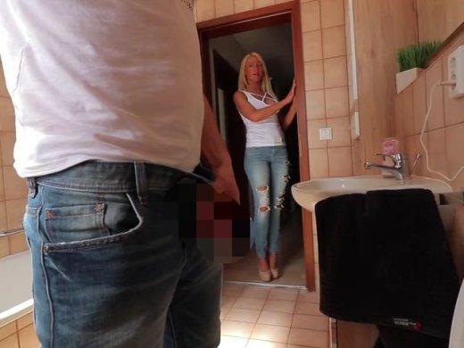 Amateurvideo Das Piss-Inferno! Sperma + Pisse immer rein ins Schluckmaul! von Daynia