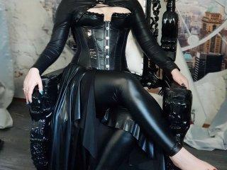 LadyKarame (39)
