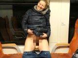 Amateurvideo Öffentlicher Doppelorgasmus beim Abreiten im Zug!!! von DaddysLuder