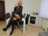 Amateurvideo One Man Bukkake-Fresse nach Leder-Anal-Plug-Schlampen Arschf von Daynia