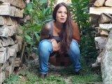Amateurvideo Geil Outdoor gepisst beim Nachbarn von Jasmin_Mustang