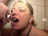 Amateurvideo Junger User pisste mir ins Maul! von RosellaExtrem
