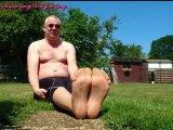 Amateurvideo Nylonfüße im Garten ** FSH Outdoor ** from nylonjunge