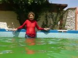 Amateurvideo Bade mit Jeans im Outdoor Pool from sexyalina